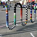 Du yarn bombing en vue.