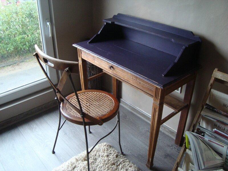petite coiffeuse ancienne relook e ma madeleine de proust la cerise sur le g teau et vous. Black Bedroom Furniture Sets. Home Design Ideas