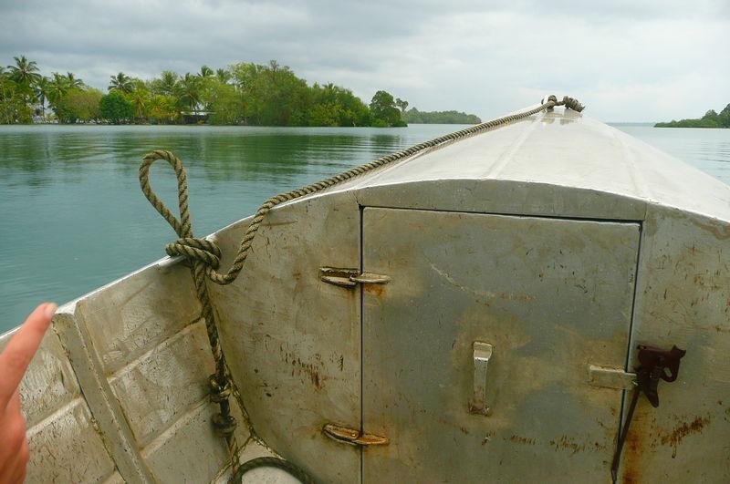 Barque en direction de Tetepare
