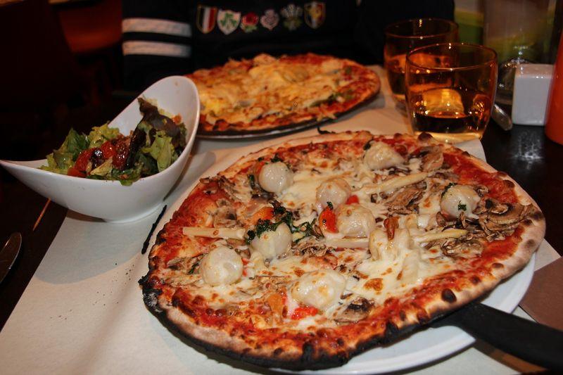 Pizzas aux Sables d'Olonne, avril 2012.