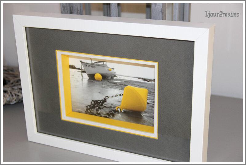 cadre bouée jaune boitage