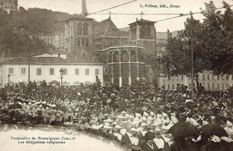 funérailles Mgr Coullié religieuses