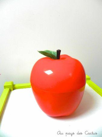 Brocante jeux livres seau à glaçon pomme chiné Au pays des Cactus 6
