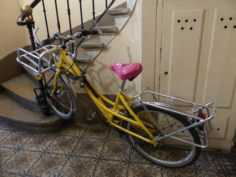 vélo jaune La Poste (1)
