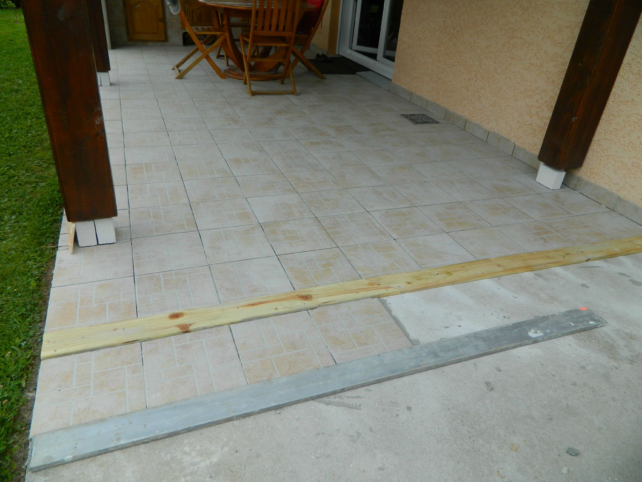 Joint dilatation carrelage terrasse for Carreler sur du carrelage