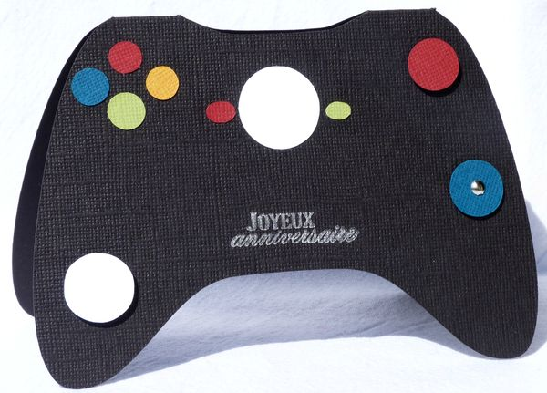 Une manette de jeu vid o une carte d 39 anniversaire pour ado les 2 mains gauches - Fabriquer une console de jeux ...