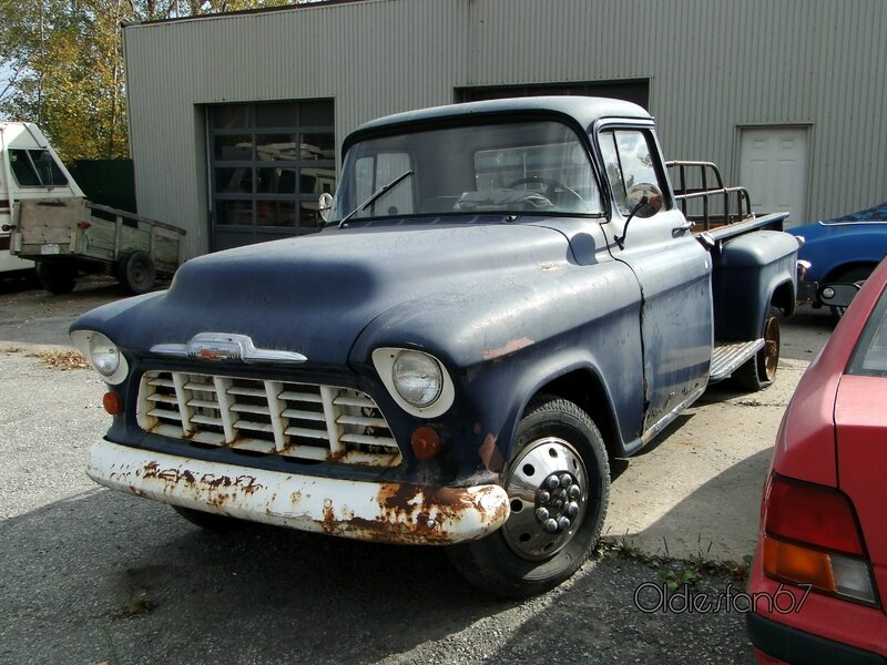 chevrolet-3200-stepside-1956-a