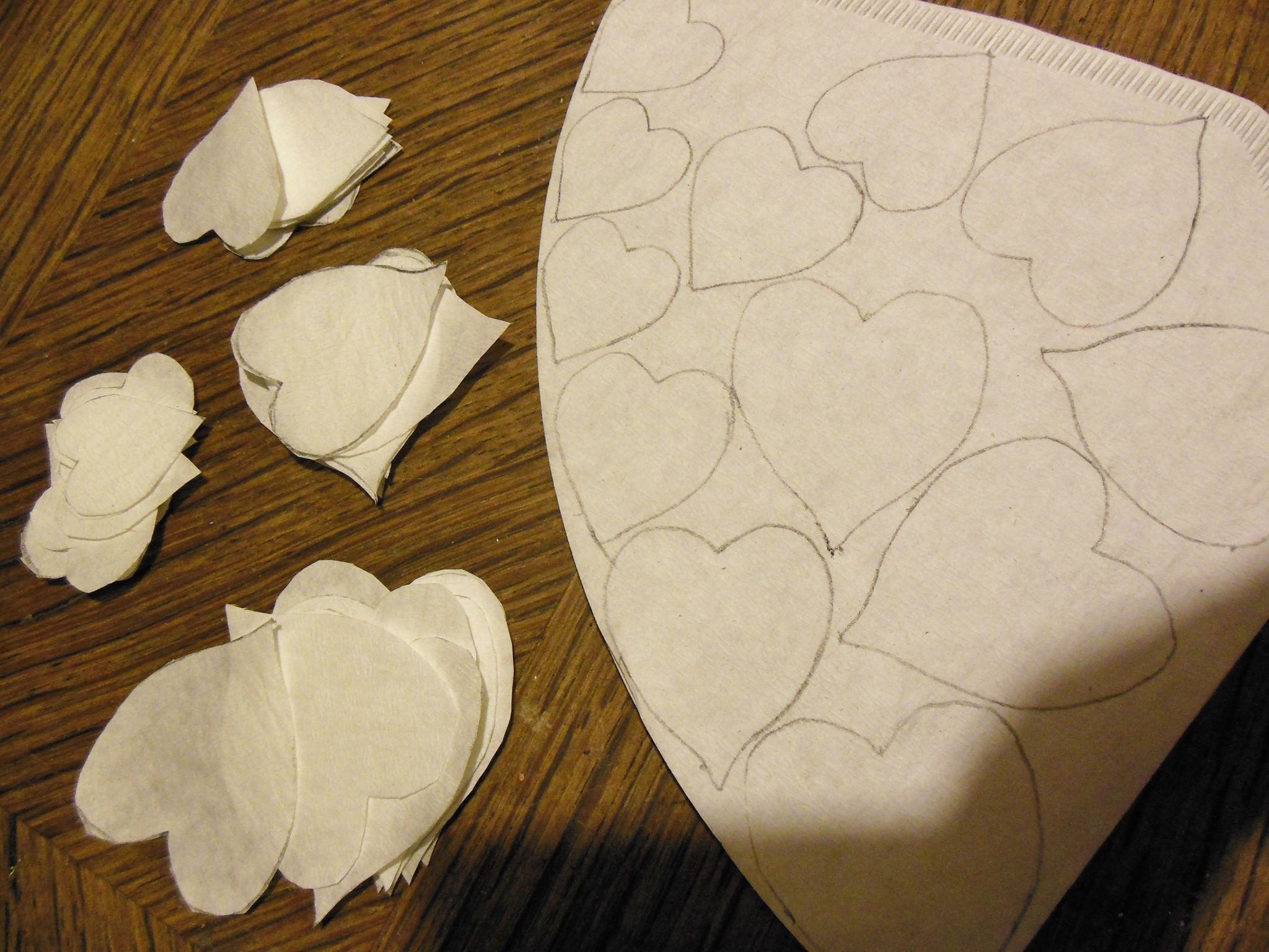 tuto pour faire des fleurs avec des filtres caf les cr ations de la card box. Black Bedroom Furniture Sets. Home Design Ideas