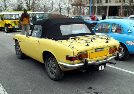 Honda_S800_convertible__23_me_Salon_Champenois_du_v_hicule_de_collection__02