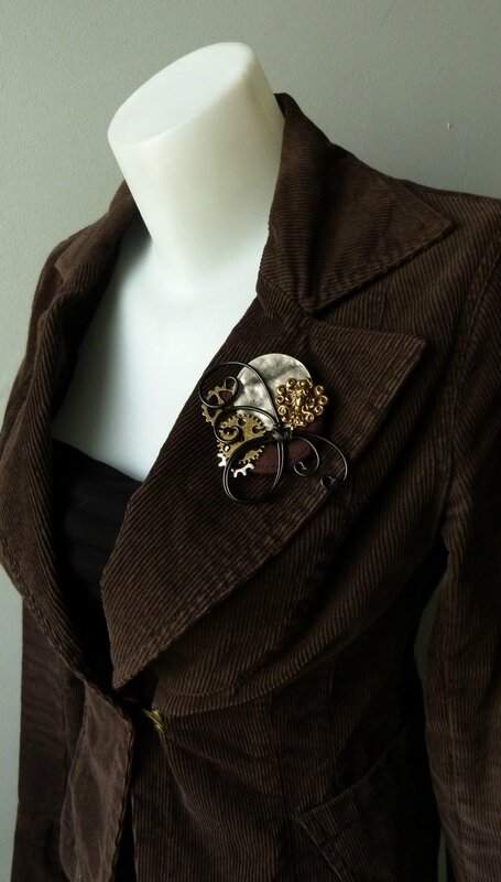 Broche Steampunk danseuse 03