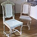 Paire de chaises patinée lin cannage blanc.