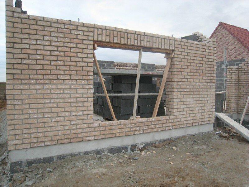 La construction des murs suite n 3 la maison de nos for Construction maison brique ou parpaing