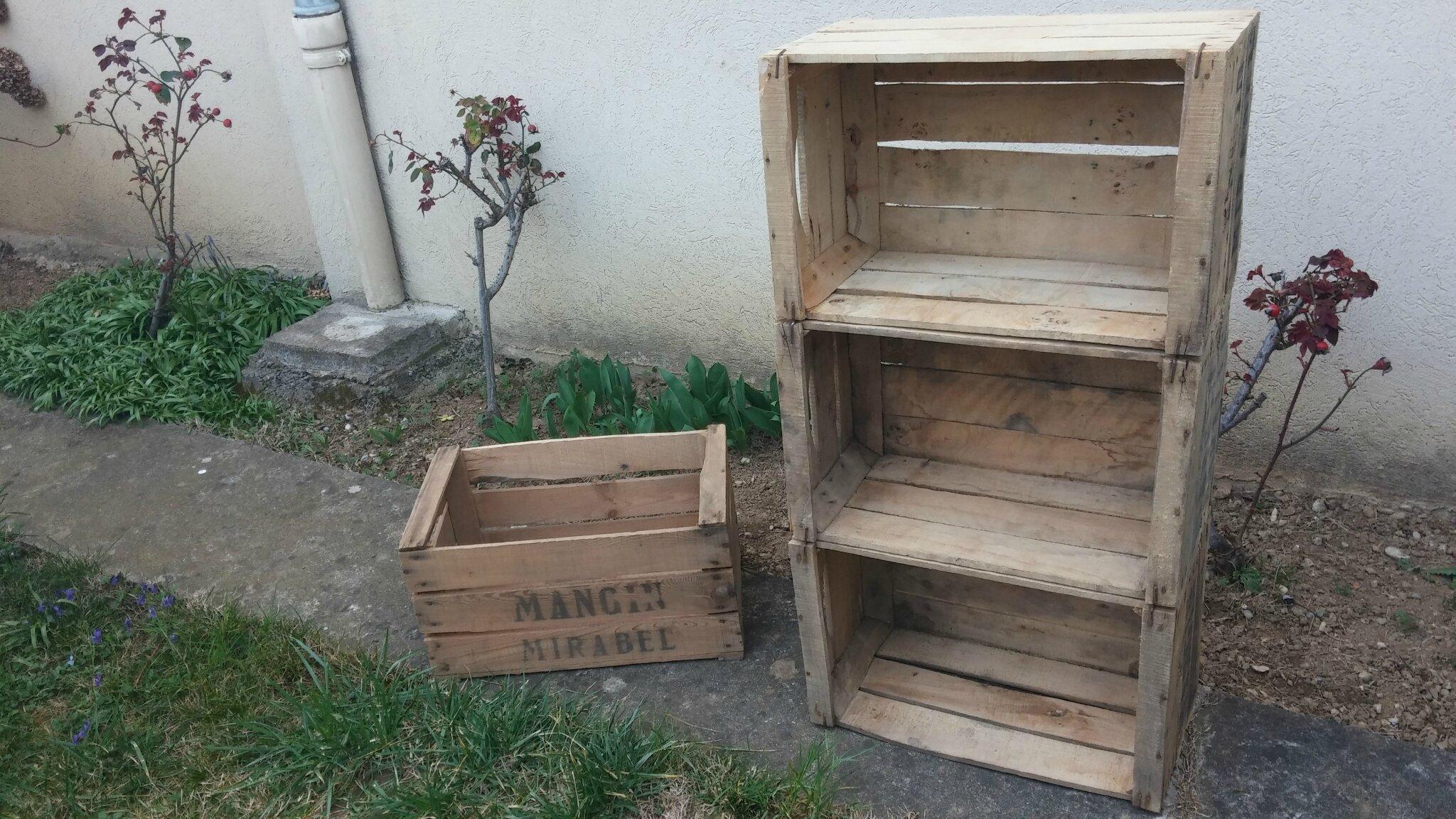 des caisses en bois c pour cr er. Black Bedroom Furniture Sets. Home Design Ideas
