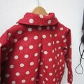Manteau MARGUERITE - Manteau trapèze à pli creux dans le dos et double boutonnage devant - Il est également fermé par un joli noeud très féminin - Col rond (16)