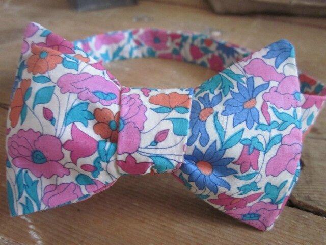 Véritable NOEUD PAPillon en Liberty fleuri rose et bleu - taille 41