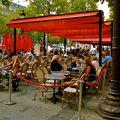 Terrasse sur les Champs Elysées.