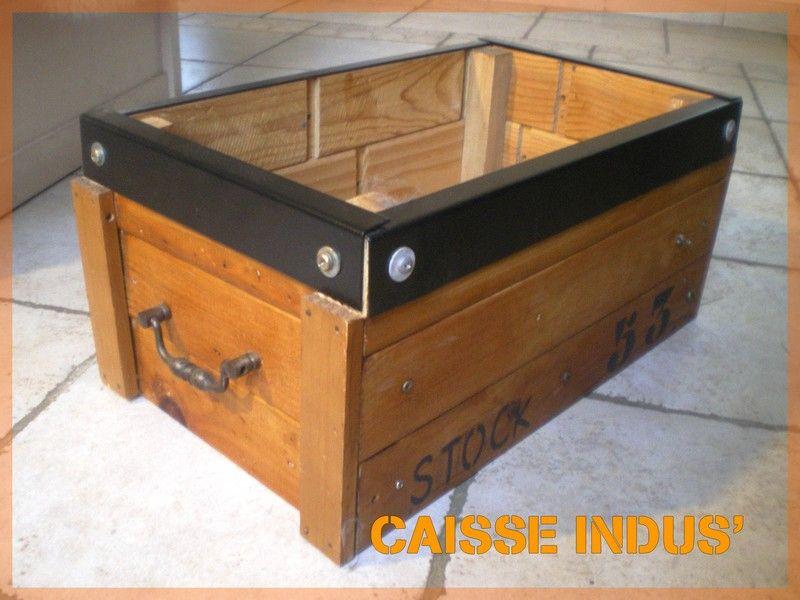Caisse de rangement home made atelier scaramouche - Caisse a vin en bois bricolage ...