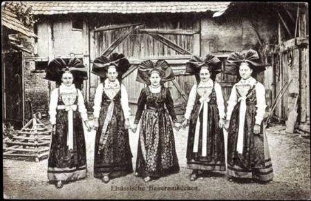 Elsässische Bauernmädchen