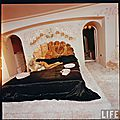 jayne_pink_palace-inside-bedroom-by_allan_grant-2