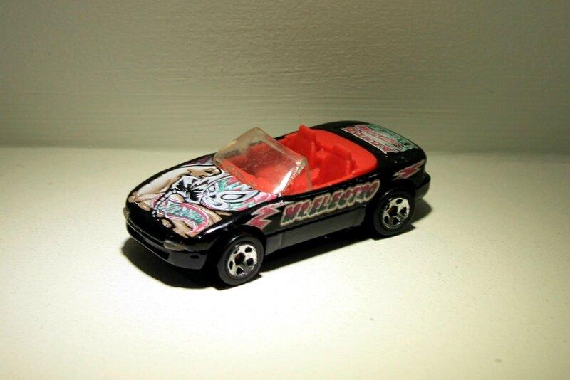 Mazda MX5 miata convertible (2003)(Hotwheels)