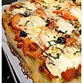 Pizza maison thon-tomate-mozzarella, pâte au sarrasin