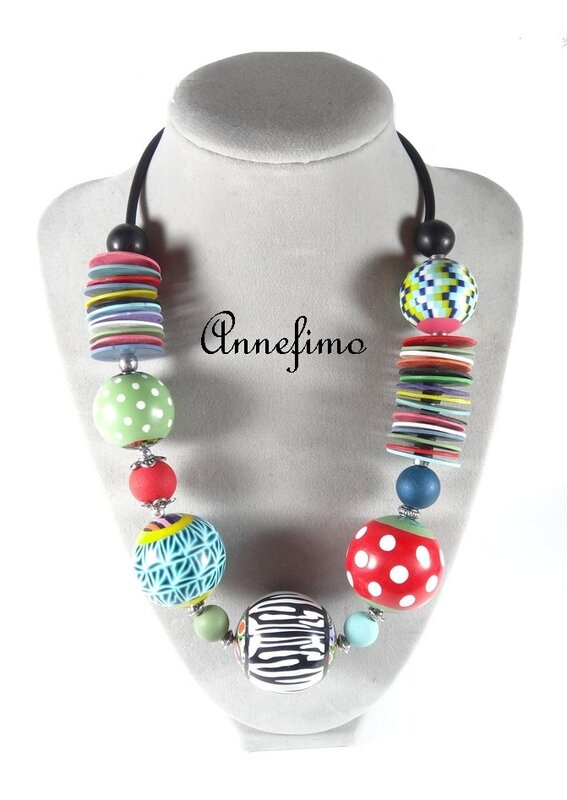 collier_boules_multicolore_2
