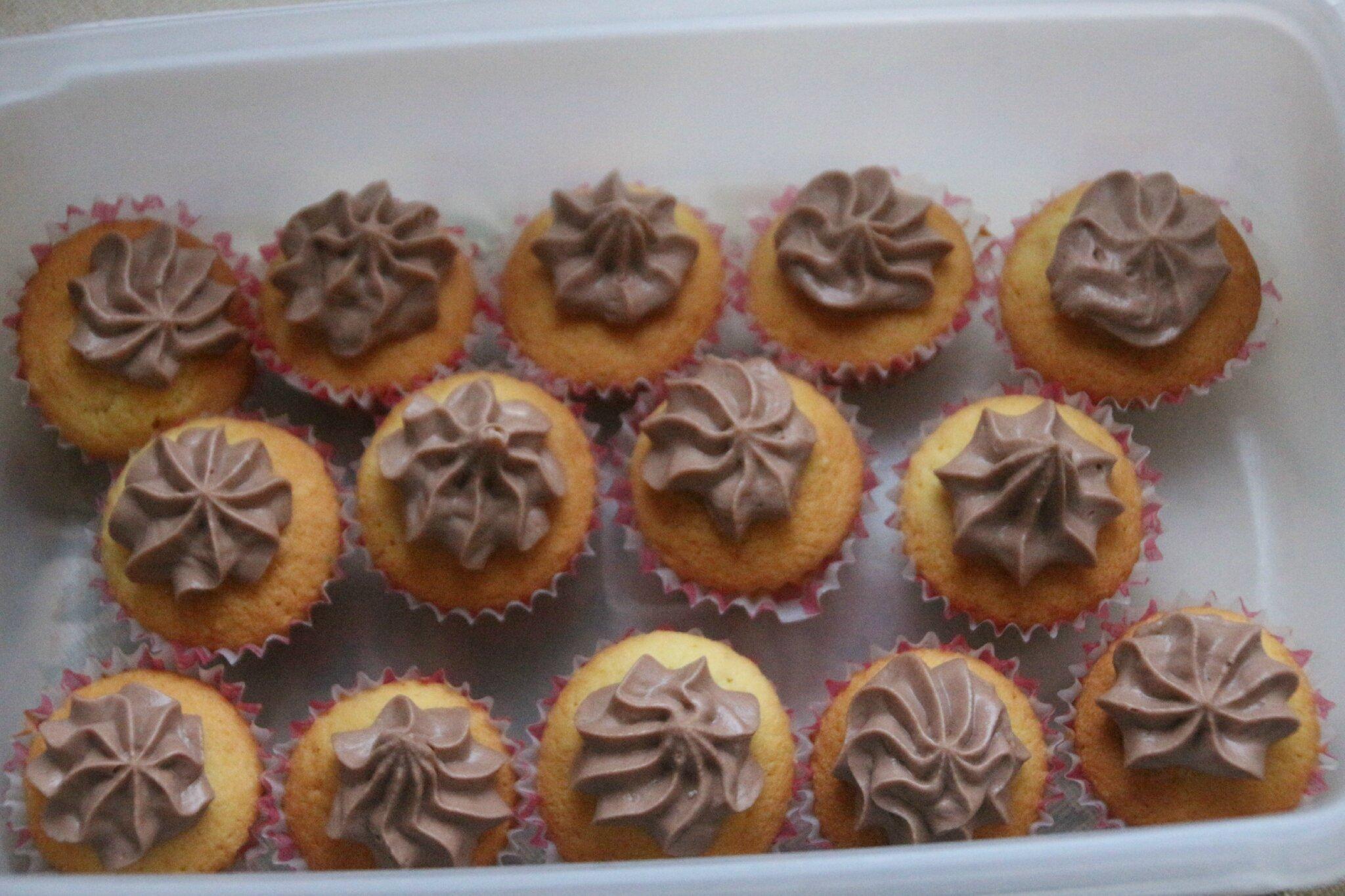 cup cakes creme au mascarpone nutella sylgote aux fraises. Black Bedroom Furniture Sets. Home Design Ideas