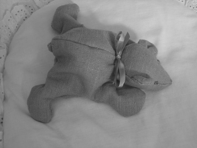 berceau et ourson assorti les petites choses de madame With peinture couleur lin et gris 19 berceau et ourson assorti les petites choses de madame