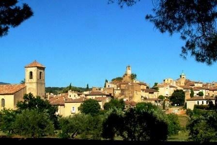 vue_sur_le_village_de_lourmarin