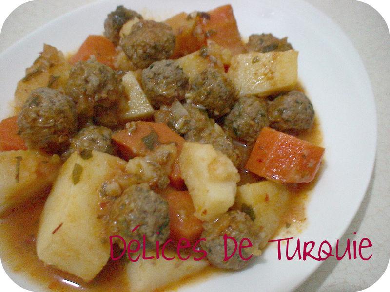 Boulettes de viande et pommes de terre en sauce for Site cuisine turque