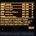 001 Affichage gare de Meaux (220613) 01