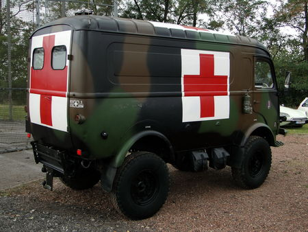 RENAULT_Ambulance___1964__2_