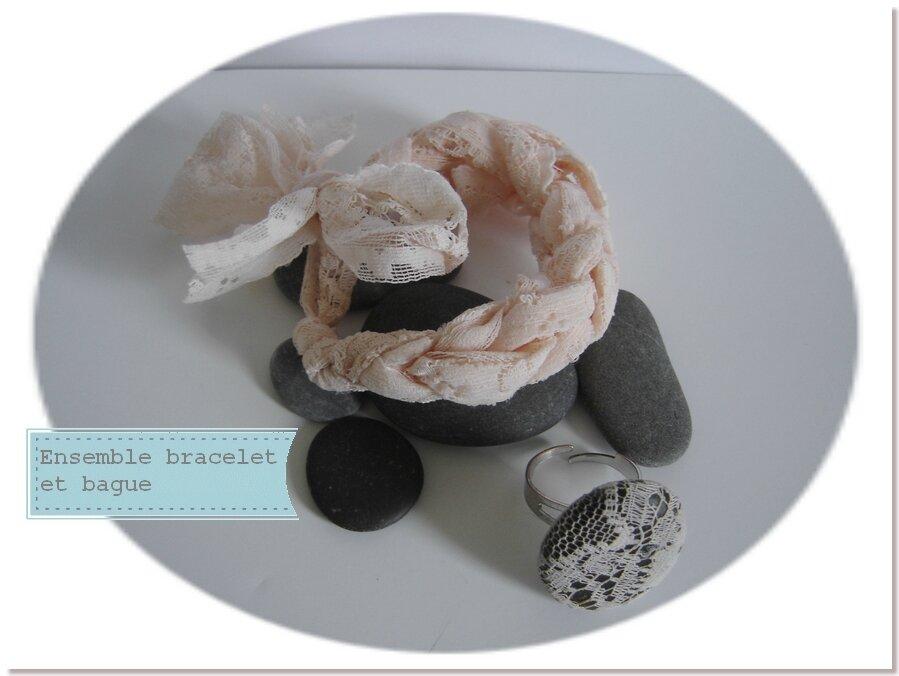 Dentelle et galet : Tricoter avec les doigts un bracelet