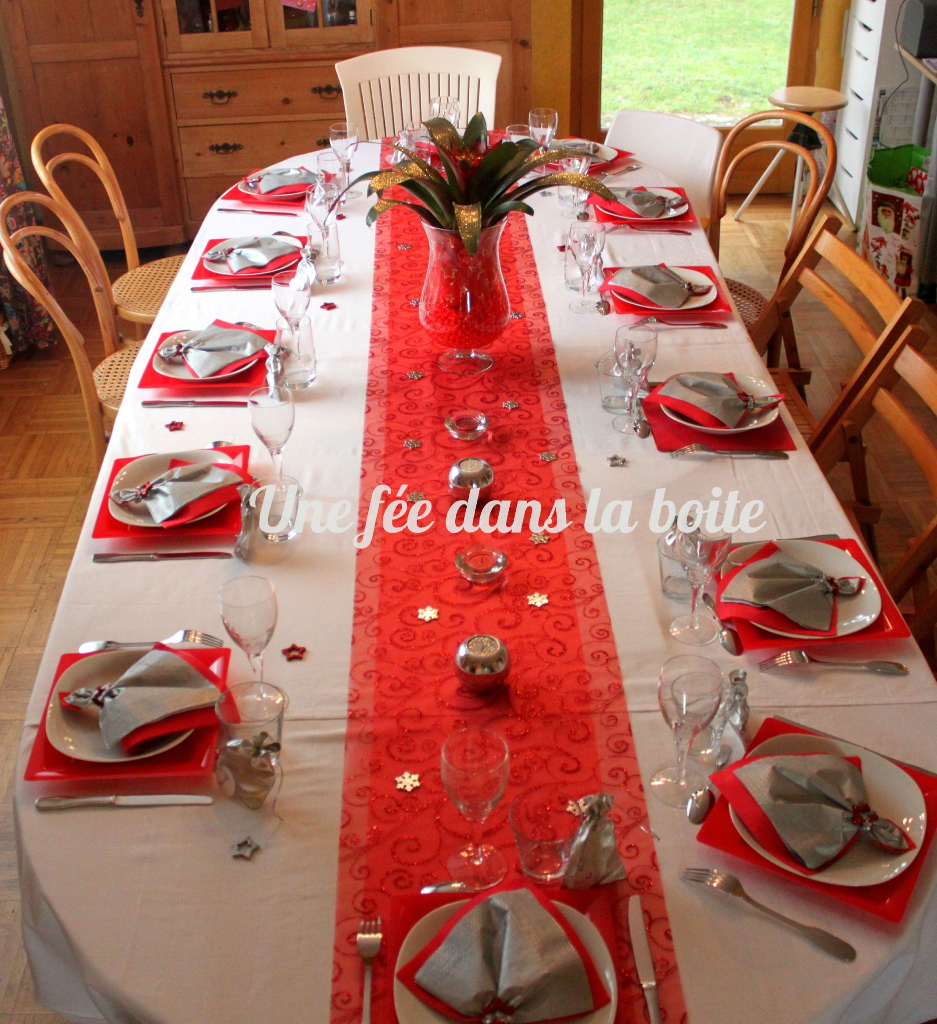 Nappes noel for Table noel rouge et blanc