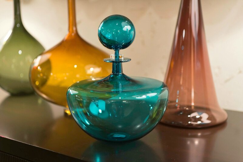 Small_Decanter_Low_Arc_Teal_-_Joe_Cariati_701f8854-7467-4632-9010-cace9e62a5e9_2048x2048