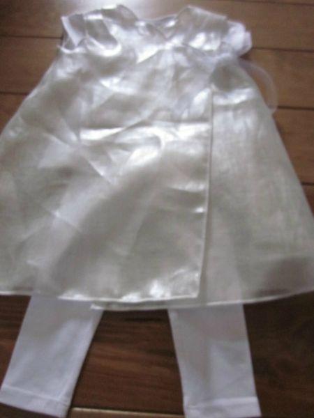 Robe porte-feuille en voile de lin argent fermé de part et d'autre par des rubans de mousselin blancs - Taille 2 ans (5)