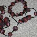 Un sautoir et son bracelet assorti réalisés avec différentes techniques