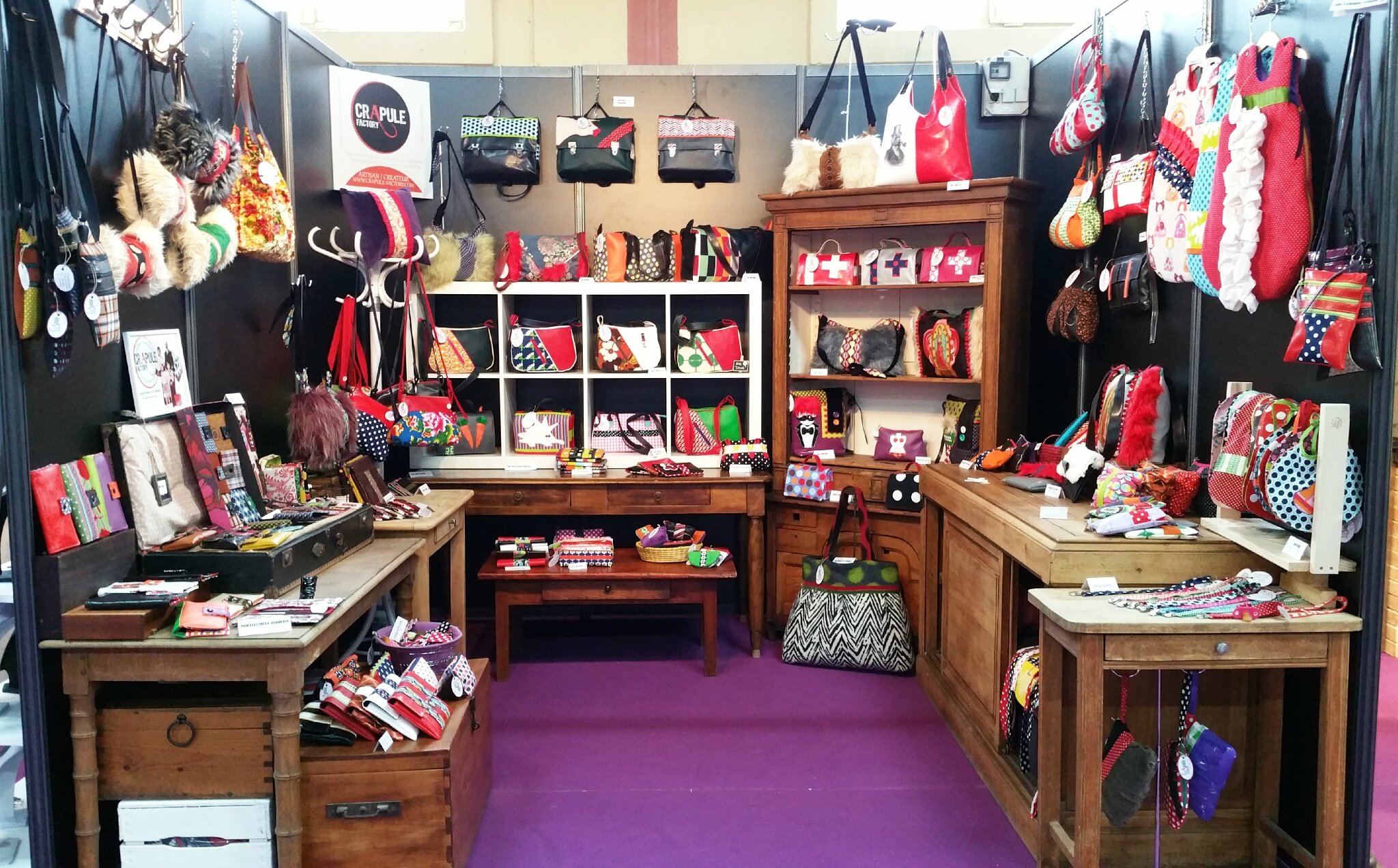 Stand de crapule factory au salon de l 39 artisanat de for Salon exposition