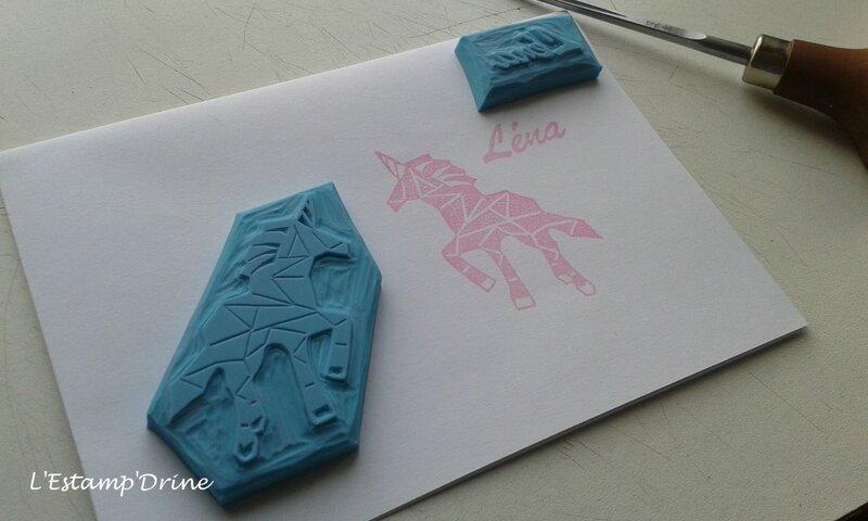 licorne tampon gravure sur gomme (2)