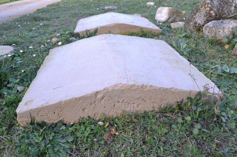 premier essai en béton biodégradable,pratiques de la pierre liquide