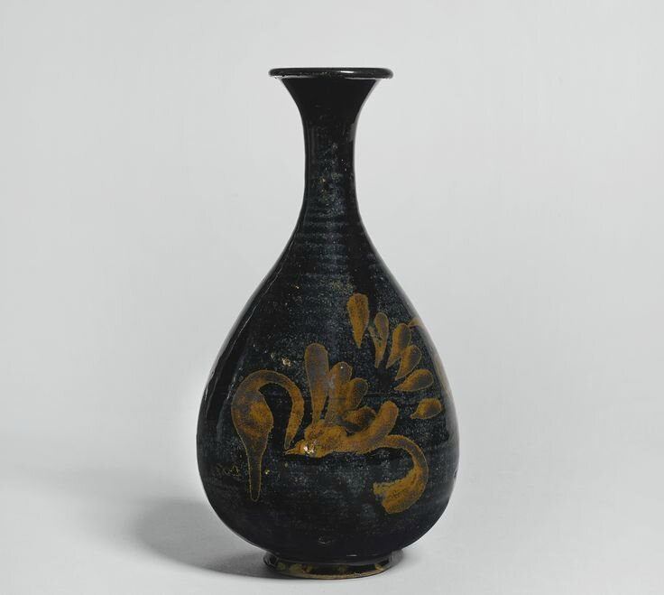 A black-glazed russet-splashed vase, Jin dynasty