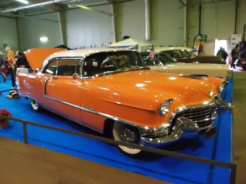 CadillacCoupeDeVille1955av1