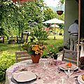 Déjeuner 7 aout 2012 aux tons lavande, blanc et rose foncé