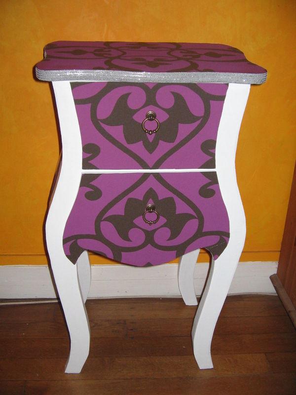 chevet en carton baroque prune eclat de carton. Black Bedroom Furniture Sets. Home Design Ideas