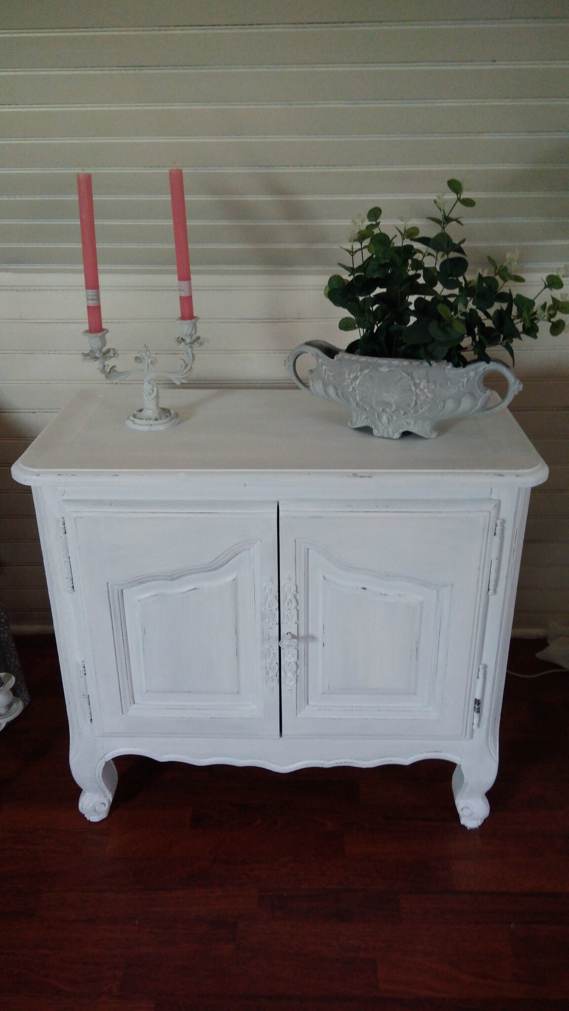 buffet meuble ancien patin blanc poudr caresse du temps. Black Bedroom Furniture Sets. Home Design Ideas