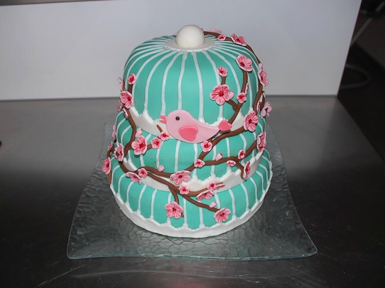 Le gâteau d'anniversaire des un an de Petite fée