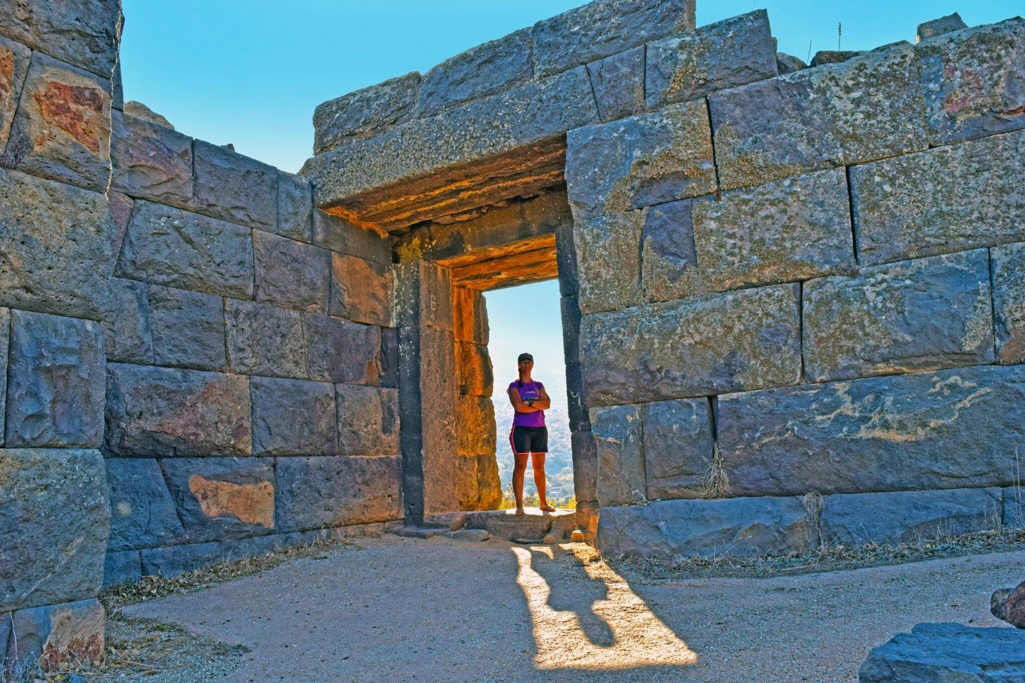 Nissiros - ancienne ville fortifiée de Mandraki.