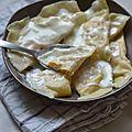 Demi-lunes au saumon, sauce citronnée