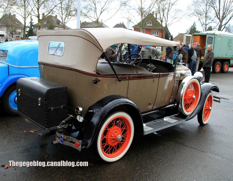 Ford model A phaeton de 1928 (Retrorencard janvier 2014) 02