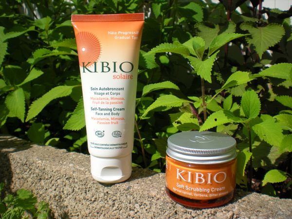 KIBIO - Soin autobronzant et Crme tendre gommage